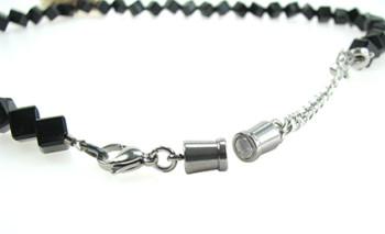 Magnetverschluss mit Karabiner und Verlängerungskette, Silber 925/-, weiß