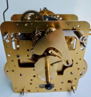 huis uurwerk Hermle 241-080, 8-dagen, pendule 32cm , bel slag. Met korte hamer