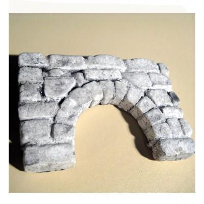 Kleine ruïne poortboog