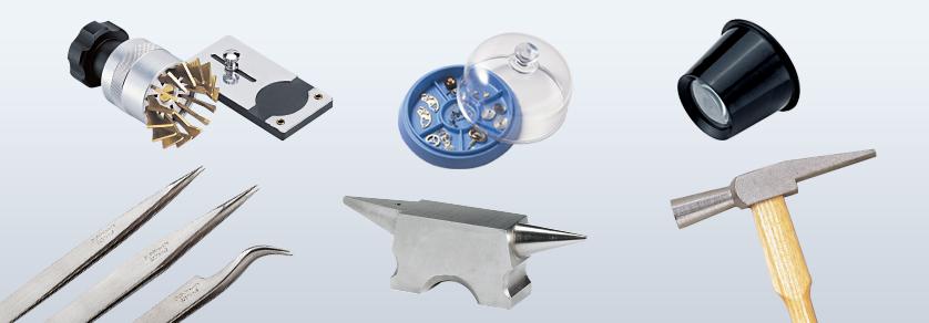 Het repareren van klokken en horloges